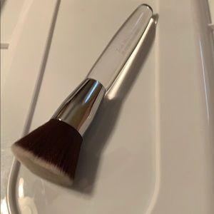 Trish mcevoy brush 76 foundation